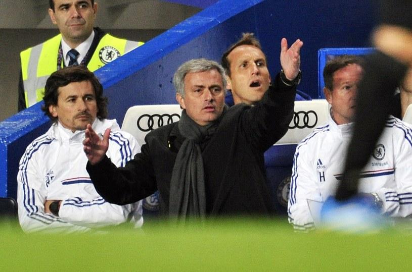Jose Mourinho (w środku) /AFP