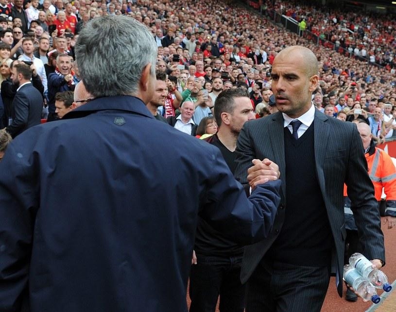Jose Mourinho (z lewej) i Pep Guardiola przed meczem /PAP/EPA