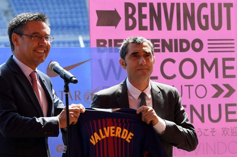 Josep Maria Bartomeu (z lewej) i Ernesto Valverde /AFP