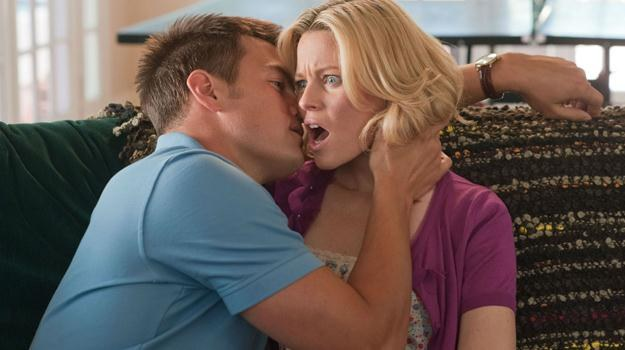 """Josh Duhamel i Elizabeth Banks w scenie z filmu """"Movie 43"""" /materiały dystrybutora"""