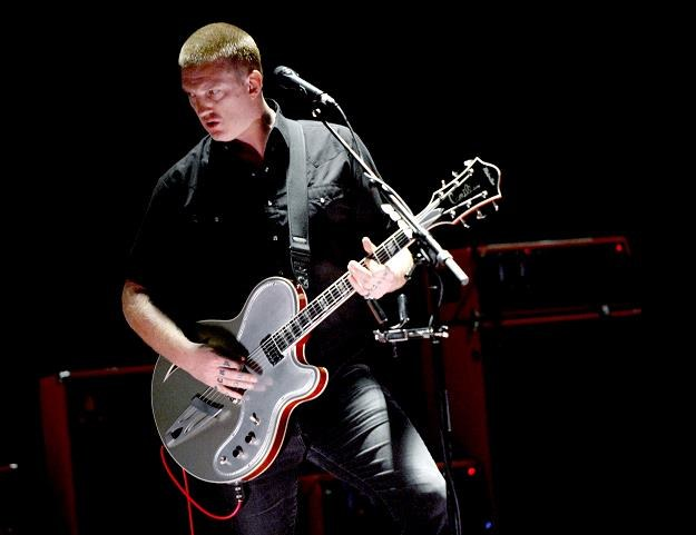 Josh Homme i jego Queens Of The Stone Age na szczycie fot. Kevin Winter /Getty Images/Flash Press Media