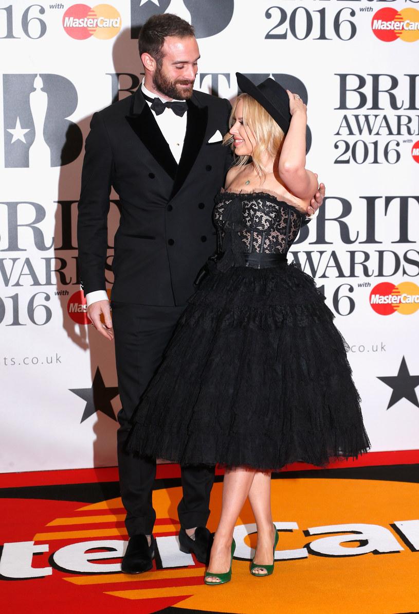 Joshua Sasse zawiódł Kylie Minogue /Luca Teuchmann /Getty Images