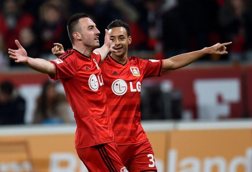 Josip Drmić i Karim Bellarabi świętują gola /AFP