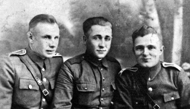 Józef Franczak, ps. Laluś (w środku) /IPN