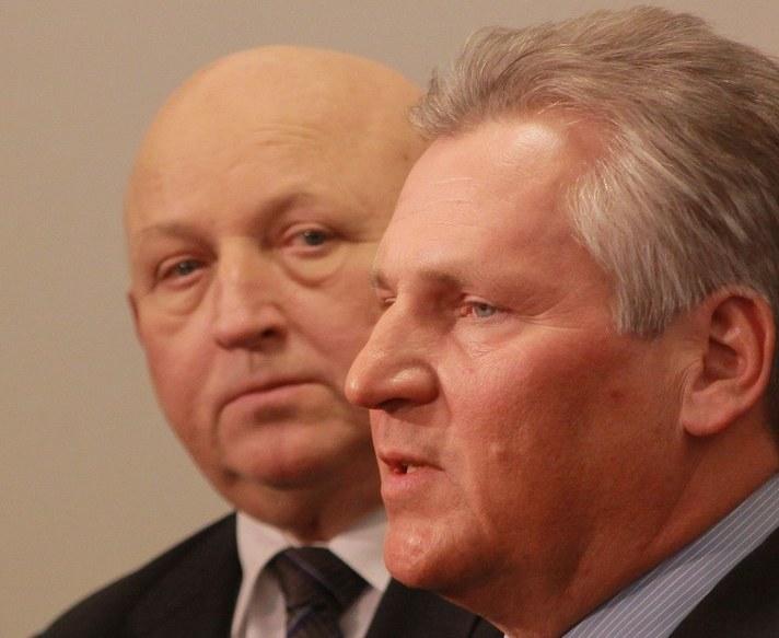 Józef Oleksy i Aleksander Kwaśniewski /Witold Rozbicki /Reporter