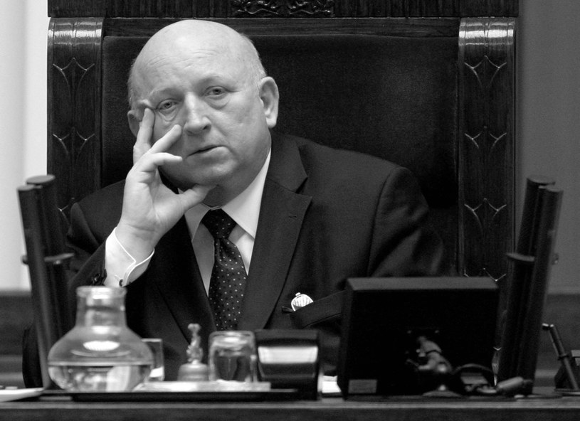 Józef Oleksy zmarł w piątek po długiej chorobie /Piotr Rybarczyk /PAP
