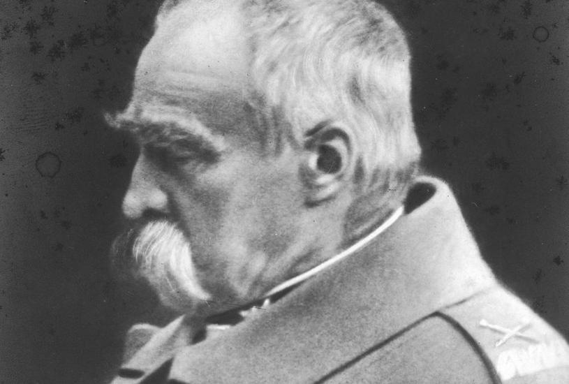 Józef Piłsudski. Oficjalna fotografia portretowa z 1935 roku /Narodowe Archiwum Cyfrowe /domena publiczna