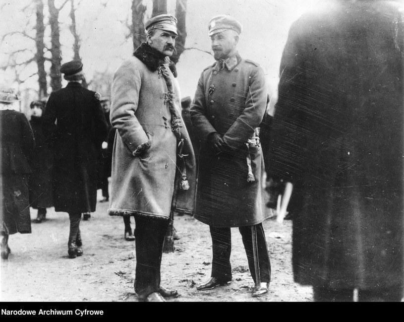 Józef Piłsudski wraz z Edwardem Rydzem-Śmigłym, zdjęcie z roku 1917 /Z archiwum Narodowego Archiwum Cyfrowego