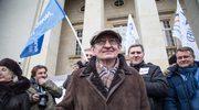 Józef Pinior na manifestacji KOD: Nie pozwolimy