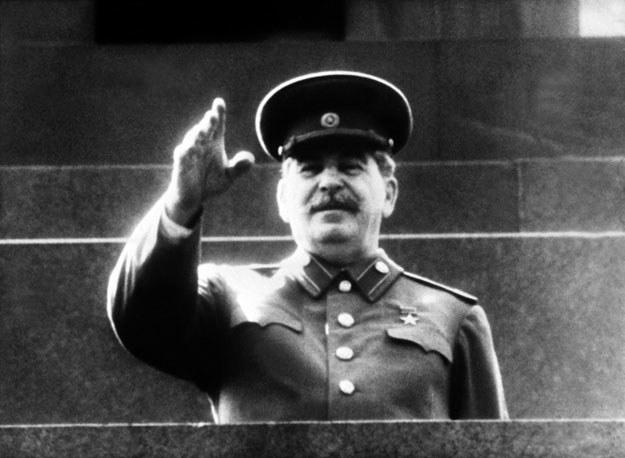 Józef Stalin kazał zachęcić warszawiaków do powstania przeciwko Niemcom. Armia Czerwona miała bezczynnie czekać na wynik starcia /AFP