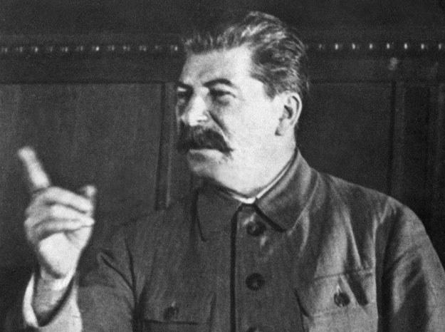 Józef Stalin pogroził Polakom i Czechom palcem /AFP