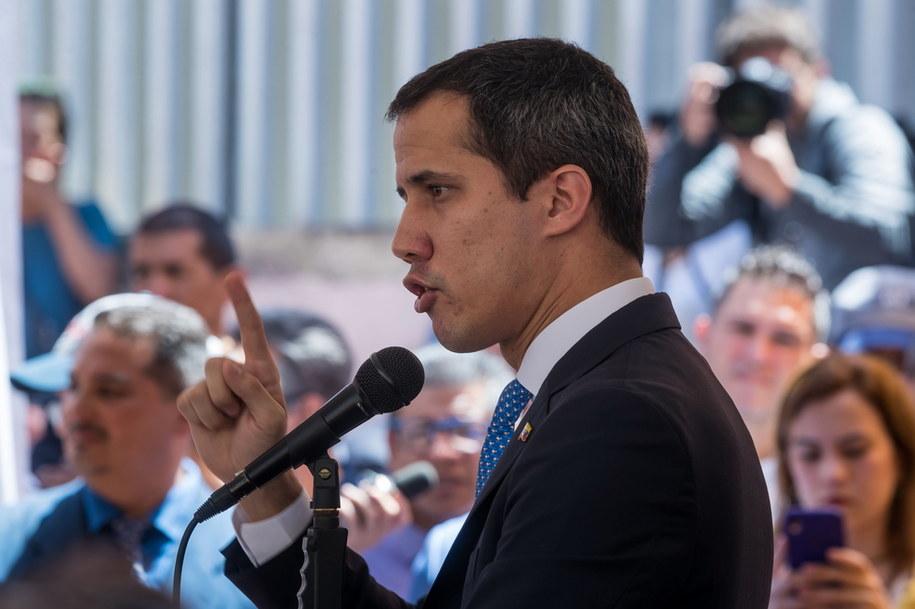 Juan Guaido podczas spotkania ze zwolennikami /Miguel Gutierrez /PAP/EPA
