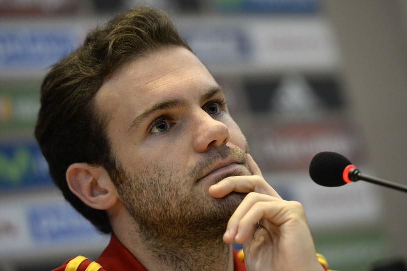Juan Mata błyszczał w poprzednim sezonie, a dziś musi walczyć o powrót do gry /AFP
