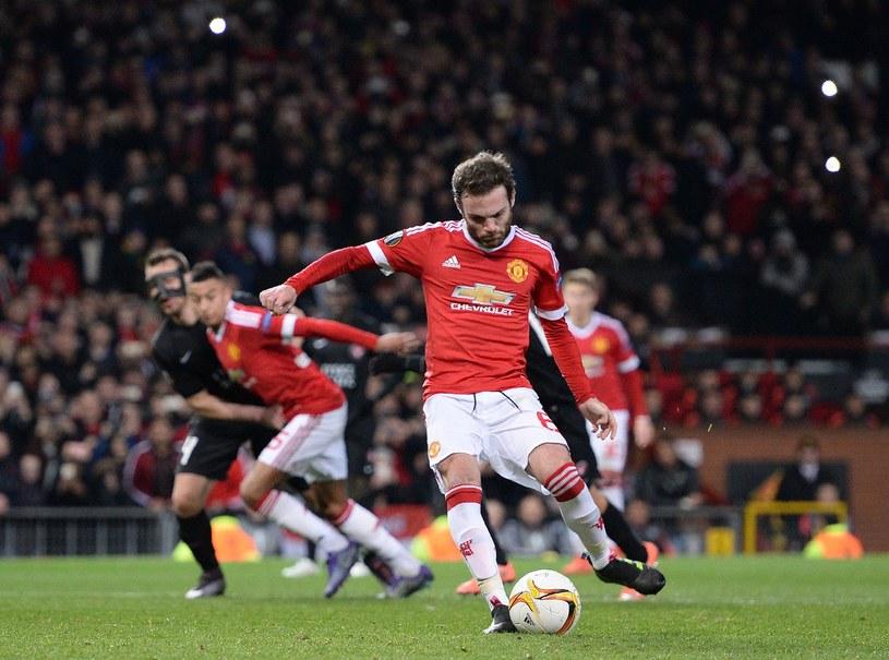 Juan Mata był w sobotę bohaterem drużyny z Old Trafford /AFP