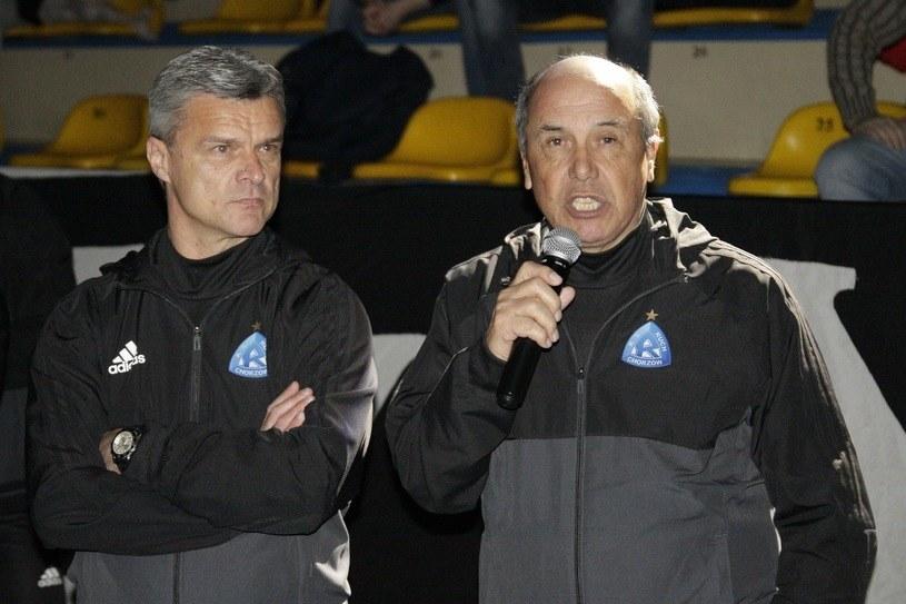 Juan Ramon Rocha (z prawej), trener Ruchu i jego asystent Krzysztof Warzycha /Adrian Slazok/REPORTER /