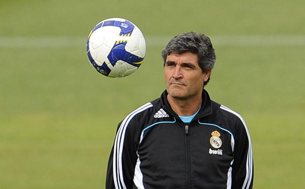 Juande Ramos kilka tygodni przed zwolnieniem w ośrodku treningowym madryckiego klubu /AFP