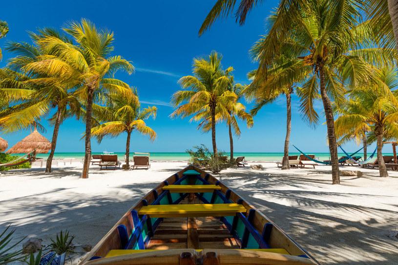 Jukatan wabi białymi plażami i ciepłą wodą Morza Karaibskiego /123RF/PICSEL