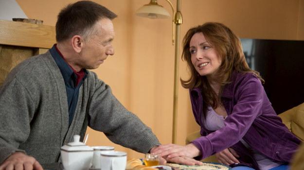 Julia (Dorota Lanton) jest zazdrosna o Krzysztofa (Krzysztof Tyniec) /Agencja W. Impact