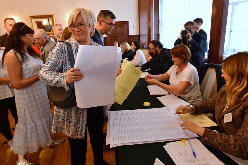 Julia Przyłębska w lokalu wyborczym / Marcin Bielecki    /PAP