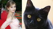 Julia Wróblewska o wydłubaniu oka kotu