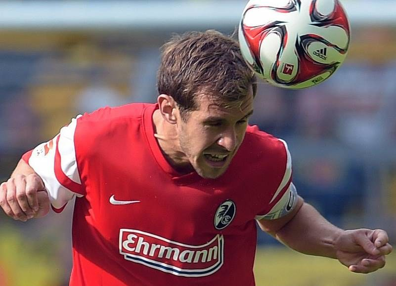 Julian Schuster, kapitan SC Freiburg /AFP