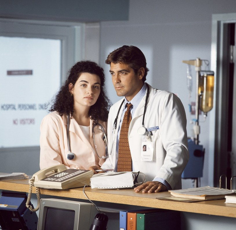"""Julianna Margulies i George Clooney w serialu """"Ostry dyżur"""" (2008) /NBCU Photo Bank/NBCUniversal /Getty Images"""