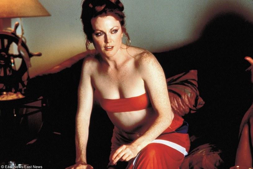 "Julianne Moore w filmie ""Boogie Nights"" /East News"
