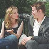"""Julie Delpy i Ethan Hawke w filmie """"Przed zachodem słońca"""" /"""