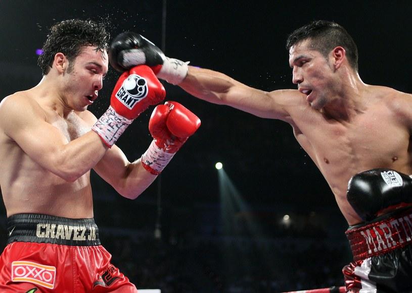 Julio Cesar Chavez Jr (z lewej) i Sergio Martinez /AFP