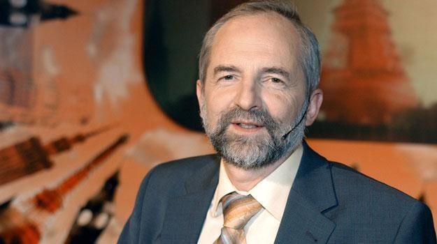 Juliusz Braun twierdzi, że TVP jest uzależniona od reklam. /AKPA