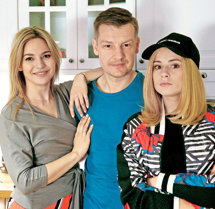 Julka i Katia - obydwie piękne i urocze. Czy któraś z nich zatrzyma Pawła na dłużej? /Kurier TV