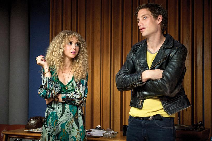 "Juno Temple i James Jagger w serialu ""Vinyl"" /HBO"