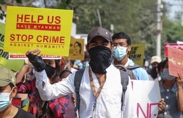 Junta w Mjanmie do protestujących: Może grozić wam postrzelenie w głowę