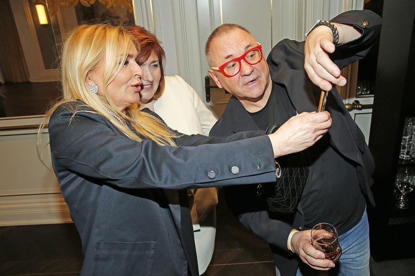Jurek Owsiak z żoną Lidią i Moniką Olejnik /Podlewski /AKPA
