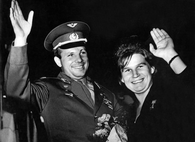 Jurij Gagarin i  Walentyna Tierieszkoawa /AFP