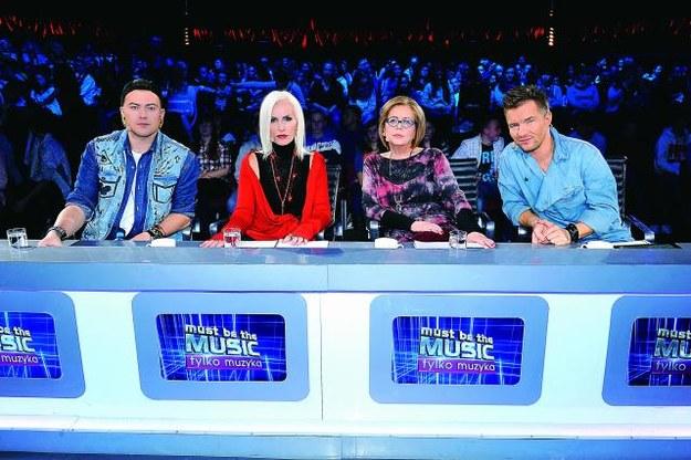 Jury gotowe do ataku! Od lewej Wojciech Łozowski, Kora Jackowska, Elżbieta Zapendowska i Adam Sztaba. /Mat. Prasowe