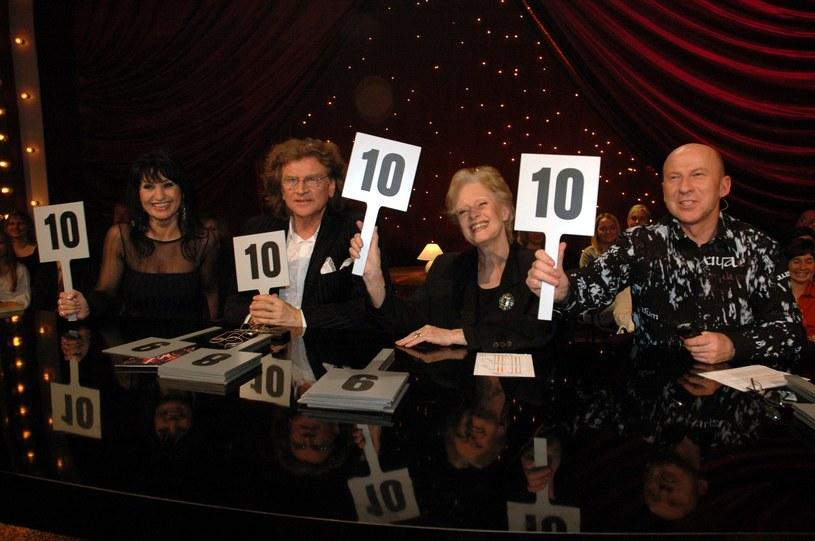"""Jury programu """"Taniec z gwiazdami"""" w 2005 roku /Tricolors /East News"""