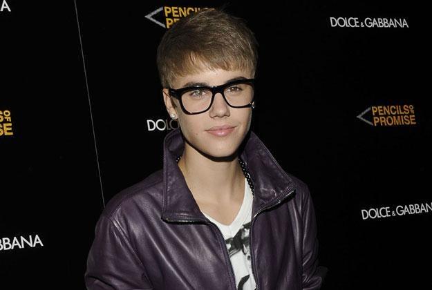 Justin Bieber w okularach fot. Eugene Gologursky /Getty Images/Flash Press Media
