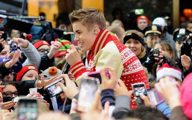 """Justin Bieber znów """"życzliwy dla fanów"""" fot. Andrew H. Walker /Getty Images/Flash Press Media"""