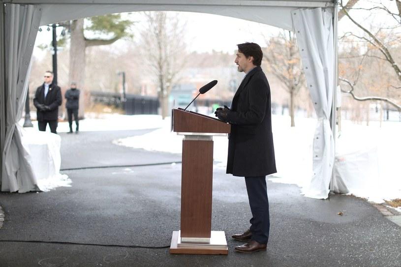 Justin Trudeau przemawia ze swojej rezydencji w Ottawie /AFP