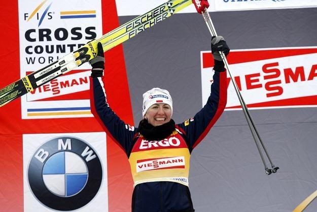 Justyna Kowalczyk na najwyższym stopniu podium w Rybińsku /AFP