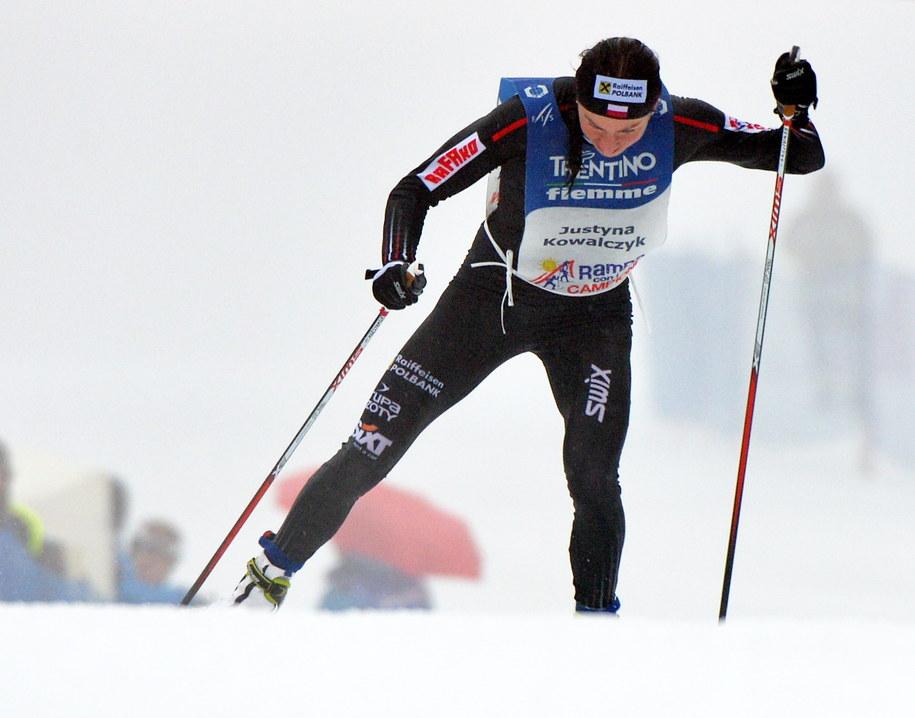 Justyna Kowalczyk na trasie biegu na 9 km techniką dowolną na Alpe Cermis /Grzegorz Momot /PAP