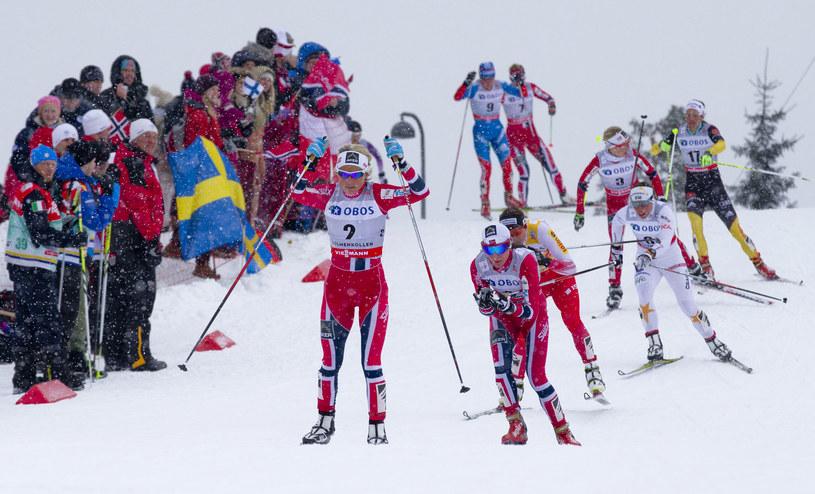 Justyna Kowalczyk przybiegła za trzema reprezentantkami Norwegii /AFP