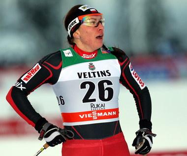 Justyna Kowalczyk upadła w półfinale sprintu w Kuusamo, triumf Bjoergen