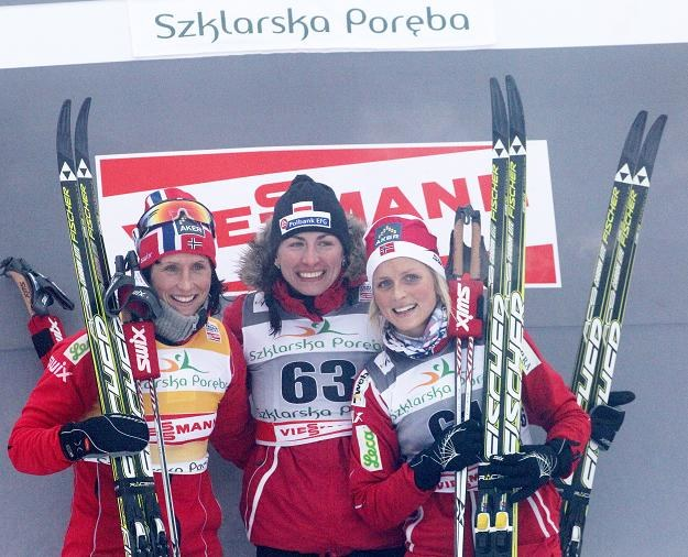Justyna Kowalczyk (w środku) wygrala bieg na 10 km. Fot. Grzegorz Momot /PAP