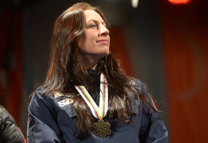 Justyna Kowalczyk z medalem mistrzostw świata w Falun /PAP/EPA