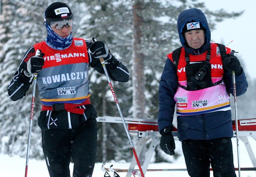 Justyna Kowalczyk z trenerem Aleksandrem Wierietielnym w Kuusamo /Grzegorz Momot /PAP