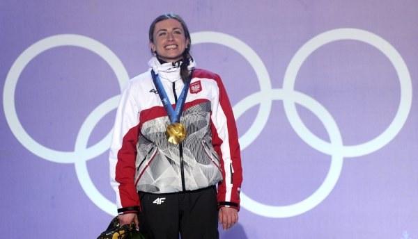 Justyna Kowalczyk zdobyła dla Polski drugi złoty medal zimowych igrzysk. /AFP