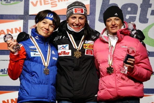 Justyna Kowalczyk ze złotym medalem mistrzostw świata /AFP