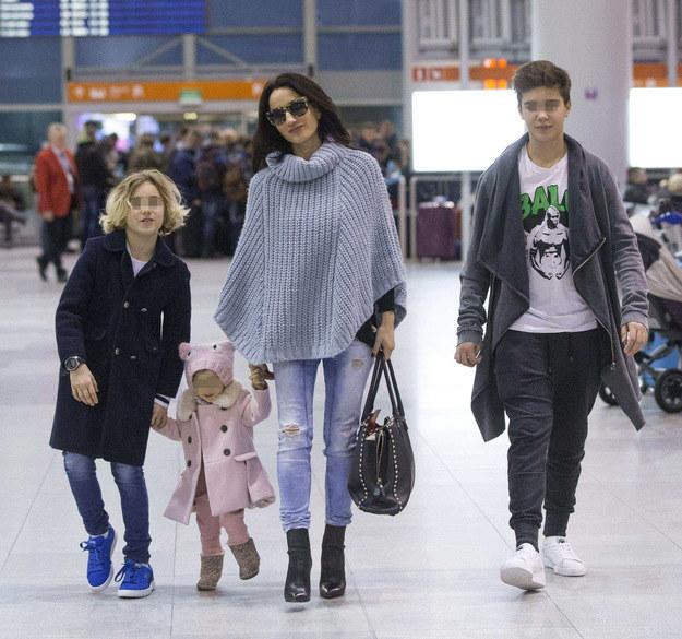 Justyna Steczkowska z synami: Stanisławem i Leonem oraz córką Heleną /Foto IP